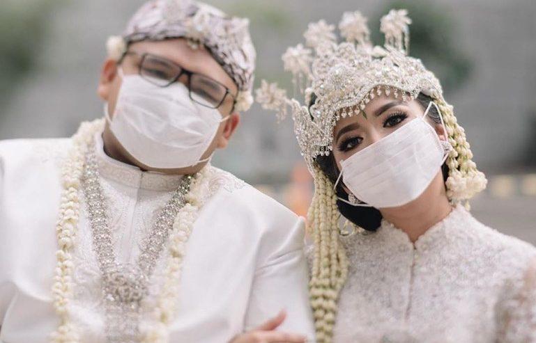 menikah di masa pandemi banyak untungnya, seperti lebih hemat sehingga dana yang tadinya untuk pernikahan bisa dialihkan sebagai tabungan